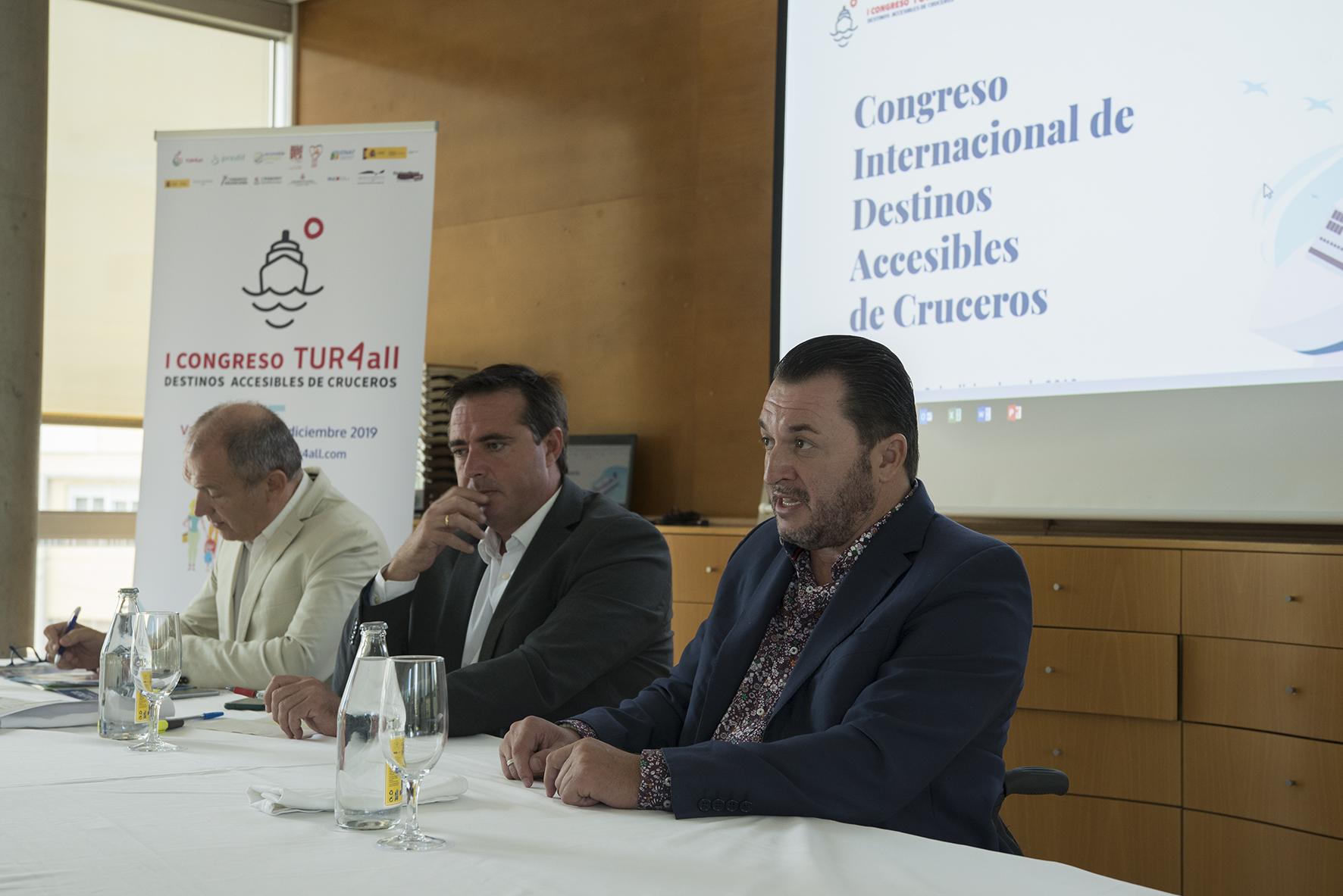 Henrick Campos- Francisco-Sardon-Antonio Bernabé-presentacion-congreso-valencia-en-octubre